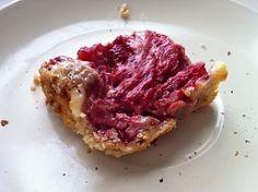 Strawberry Swirl Cheesecake Bars | @fairyburger @ fairyburger