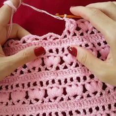 Blouse mehr spout in croche - Artofit -Crochet Designs Crochet Patterns Crochet Top Eminem Crochet Clothes Projects To Try Baby Knitting Crochet Projects Crochet StitchesNem érhető el leírás a fényképhez. Crochet Stitches Patterns, Crochet Motif, Crochet Designs, Knitting Patterns, Knit Crochet, Blanket Patterns, Filet Crochet, Easy Crochet Shawl, Crochet Baby Dress Pattern