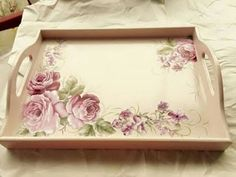 Shop, Vintage-Teile zum Verkauf, Shabby, Scrappin und Decoupage: Tabletts - #Decoupage #Scrappin #Shabby #Shop #Tabletts #und #Verkauf #VintageTeile #zum Decoupage Wood, Decoupage Furniture, Decoupage Vintage, Tole Painting, Painting On Wood, Painted Trays, Wood Tray, Shabby Chic Decor, Shabby Shop