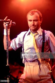 British Pop and Rock musician Phil Collins of the group Genesis performs onstage at the Rosemont Horizon, Rosemont, Illinois, November Phill Collins, Phil 3, Peter Gabriel, Concerts, November, British, Memories, Artists, Musica