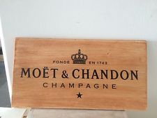 Moet And Chandon Champagne Homemade Plaque Repourposed Wood Moët Chandon, Champagne, Wine Crates, Bamboo Cutting Board, Homemade, Paris, Signs, Wood, Beautiful