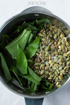 Pesto z czosnku niedźwiedziego Pesto, Sprouts, Asparagus, Green Beans, Garlic, Food And Drink, Vegetables, Cooking, Recipes