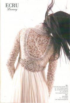 Beautiful white lace salvaar & #ao dai #aodai