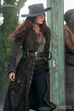 Lady Clara Paget as Anne Bonny in Black Sails. Pirate Queen, Pirate Woman, Larp, Clara Paget, Girl Pirates, Mode Costume, Pirate Fashion, Renaissance, Black Sails