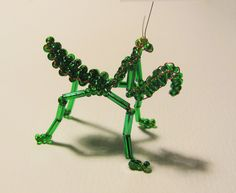 bead insect | Handmade Praying Mantis Bug made from Glass Seed Beads and Wire