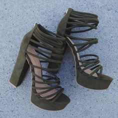 Women's Fashion High Heels : Loving ~olive~ the straps on these caged heels… Clothing, Shoes & Jewelry : Women : Shoes : heels Fancy Shoes, Pretty Shoes, Women's Shoes Sandals, Shoe Boots, Shoes Sneakers, Shoes Jordans, Caged Heels, Hype Shoes, Fashion Heels