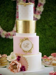 photo: GKS Photography; 22 Seriously Adorable Wedding Cakes to Love