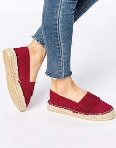 Buy ASOS JURASSIC Fringe Flatform Espadrilles at ASOS. Get the latest trends with ASOS now. Pretty Shoes, Cute Shoes, Me Too Shoes, Tom Shoes, Shoe Boots, Shoes Sandals, Espadrilles, Shoe Wardrobe, Asos