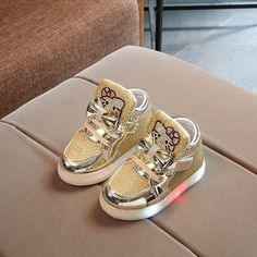 First Walkers Baby Shoes Special Section 2018 European Cute Lovely Soft Fashion Led Baby First Walkers Lace Up Led Lighting Toddlers Shinning Baby Girls Boys Shoes