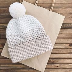 Knit Crochet, Crochet Hats, Knitting Accessories, Winter Is Coming, Knitted Hats, Fashion Beauty, Wool, Instagram Posts, Handmade