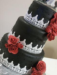 Gothic Romance Wedding Cake-