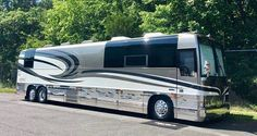 """""""Breeze"""" Prevost Bus, Fun Travel, Motor Homes, Bus Conversion, Recreational Vehicles, Campers, Breeze, Rv, Buses"""
