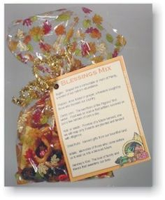BLESSINGS MIX - Small bags of snack mix with a seasonal theme, each ingredient in Blessings Mix reminds us of our blessings. Use them as table favors, workplace gifts or party treats at Thanksgiving, Christmas, or to celebrate American holidays such as Thanksgiving Favors, Thanksgiving Blessings, Thanksgiving Prayer, Hosting Thanksgiving, Thanksgiving Outfit, Thanksgiving Decorations, Thanksgiving Recipes, Blessing Mix Recipe, Holiday Crafts