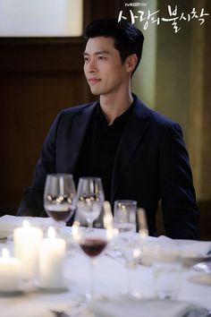 Crash Landing on You (사랑의 불시착) - Drama - Picture Gallery Hyun Bin, Asian Actors, Korean Actors, Korean Dramas, Seo Ji Hye, Netflix, Lee Jung, Korean Star, Kdrama Actors
