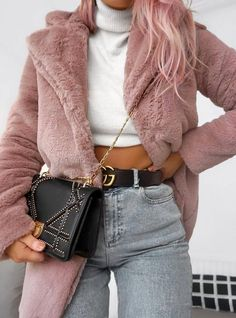 winter outfit inspiration fur coat   white top   bag   jeans