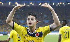 James Rodriguez comemora com a torcida o golaço no Maracanã