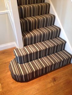 Stylish stair carpet ideas and inspiration. So you can choose the best carpet for stairs.Quality rug for stairs, stairway carpets type, etc. Striped Stair Runner, Interior Stairs, Carpet Stairs, Stairs Design, Home, Interior, Hallway Inspiration, Carpet Staircase, Home Decor