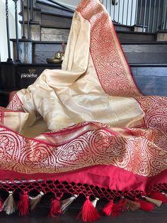 Katan Silk Banarasi - Beige Red Silk Saree Banarasi, Indian Silk Sarees, Pure Silk Sarees, Kerala Saree Blouse Designs, Saree Blouse Patterns, Bridal Silk Saree, Indian Necklace, Saree Trends, Trendy Sarees