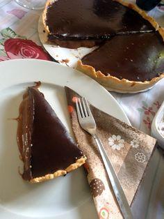 Karamellás csokis pite | Mai Móni Cake Bars, Chocolate Fondue, Cake Recipes, Breakfast Recipes, Food And Drink, Sweets, Cakes, Pastries, Foods