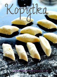 kopytka, kluski ziemniaczane European Dishes, Eastern European Recipes, Polish Recipes, Polish Food, Cupcakes, Different Recipes, Hot Dog Buns, Family Meals, Cooking Recipes