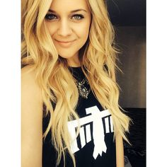 As Seen On – License to Boot Kelsea Ballerini in License to Boot. Celebrity Makeup Looks, Angeles, Kelsea Ballerini, Country Singers, Country Music, Country Artists, Celebs, Celebrities, Woman Crush