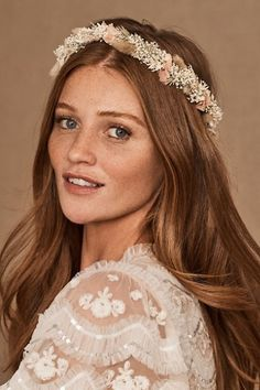 Flower Crown Bride, Flower Crown Hairstyle, Floral Crown, White Flower Crown, Flower Crowns, Half Up Wedding Hair, Wedding Hair Flowers, Flowers In Hair, Boho Wedding Makeup