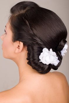 Another 25 Bridal Hairstyles & Wedding Updos | Confetti Daydreams  Curl the front part of the hair up to add dimension around the face?