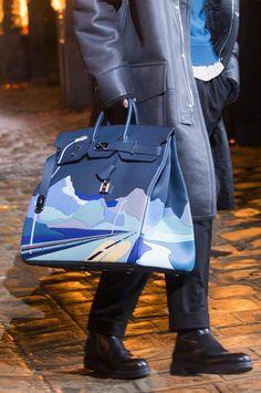 7b01626753c Défilé Hermès automne-hiver 2018-2019 Homme. Sac KellyHermes ...