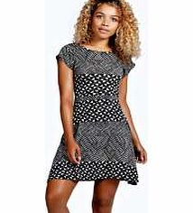boohoo Una Tie Back Printed Skater Dress - multi azz23062 Make a statement in monochrome with this skater dress that makes statement easy to wear for every day. Wear it with a colour pop cross body bag , chunky ankle boots and frilly socks . http://www.comparestoreprices.co.uk/dresses/boohoo-una-tie-back-printed-skater-dress--multi-azz23062.asp