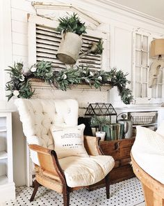 Farmhouse Best For Spring Decoration Country Style Homes, French Country House, Cottage Style, French Cottage, Modern Country, Rustic French, Country Farmhouse Decor, French Country Decorating, Farmhouse Table