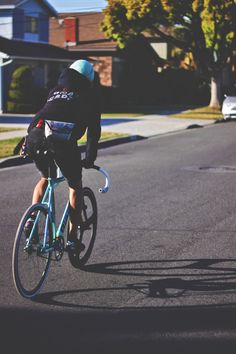 definitely need to find time to ride over Christmas Track Cycling, Urban Cycling, Urban Bike, Cycling Bikes, Bike Pic, Fixed Gear Bike, Bike Seat, Bike Style, Cycling Outfit