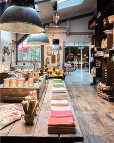 Discover recipes, home ideas, style inspiration and other ideas to try. Cafe Concept, Concept Shop, Concept Stores, Concept Store Paris, Deco Paris, Paris Store, Cute Store, Ceramic Shop, Interiors