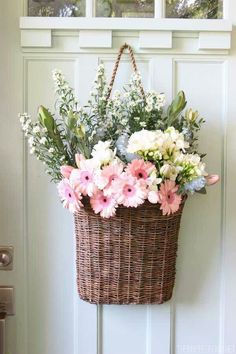 Fresh Cut Spring Flowers in a Door Basket Spring Front Door Decor - The Inspired Room Deco Floral, Arte Floral, Cottage Style Doors, Cottage Door, Cottage Living, Cottage Chic, Front Door Decor, Entryway Decor, Front Doors
