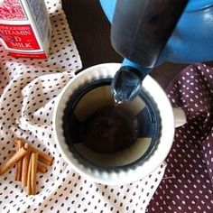 Add a pinch of salt and some cinnamon to your coffee grounds before brewing. The salt will cut the bitterness and bring out flavor whereas the cinnamon will straight-up change your life. Basted Eggs, Perfect Grilled Cheese, Perfect Quinoa, Making Iced Tea, Making Coffee, Coffee Tasting, Learn To Cook, Baking Tips, Food Hacks
