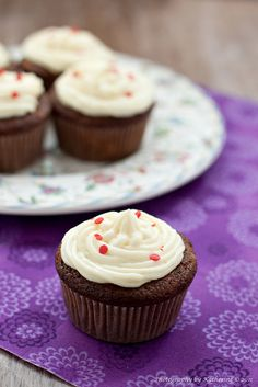 Awesomely autumnal Spiced Apple Cupcakes with Cream Cheese Frosting.