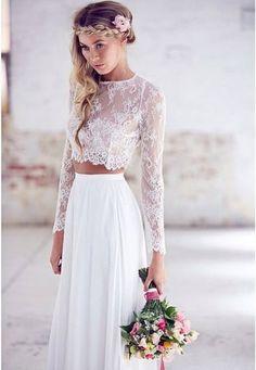 Jolie robe de mariée en deux pièces