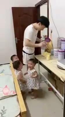 Cute Funny Baby Videos, Funny Baby Gif, Cute Funny Babies, Funny Baby Memes, Funny Videos For Kids, Funny Short Videos, Funny Video Memes, Funny Animal Videos, Funny Cute