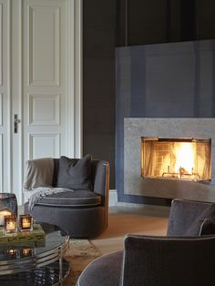 Krista Hartmann Interiør AS Modern Fireplace, Fireplace Design, Fireplace Ideas, Gray Interior, Interior Design, Fireplace Facing, Classic Living Room, Luxury Dining Room, Decoration