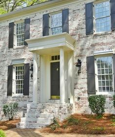 gorgeous 36 Beautiful Brick House Exterior Makeover Design Ideas That You Must Try Colonial House Exteriors, Painted Brick Exteriors, Home Exterior Makeover, Exterior Remodel, Whitewash Brick House, White Wash Brick Exterior, Porche, Exterior Design, Brick Design