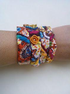 Βραχιόλι τετραπλό (ανάλογα τον καρπό) από ραμμένο στο χέρι ζακάρ ύφασμα. Φοριέται και ως κολιέ. Cuff Bracelets, Jewelry, Fashion, Moda, Jewlery, Jewerly, Fashion Styles, Schmuck, Jewels
