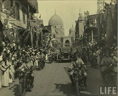 King Farouk people's reception in 1940s Cairo by Kodak Agfa, via Flickr