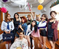 Happy sunday! Cheer Up #Twice #트와이스 #Nayeon #나연 #Jeongyeon #정연 #Momo #모모 #Sana #사나 #Jihyo #지효 #Mina #미나 #Dahyun #다현 #Chaeyoung #채영 #Tzuyu #쯔위 @TWICETAGRAM