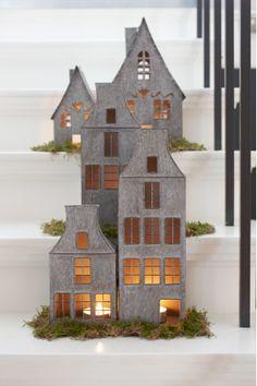 HOT items! Grachtenhuisjes, leuk voor nu, maar ook met kerst voor de donkere dagen! via casa-byzonder.nl
