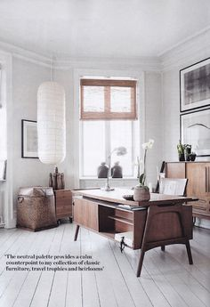 You won't mind getting work done with a home office like one of these. See these 20 inspiring photos for the best decorating and office design ideas for your home office, office furniture, home office ideas Home Office Inspiration, Interior Inspiration, Office Ideas, Office Decor, Office Themes, Workspace Inspiration, Home And Deco, Elle Decor, Interiores Design
