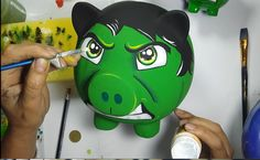 alcancía hulk - como poco pintar paso a paso Hulk, Personalized Piggy Bank, Budget Organization, Pottery Painting, Painting For Kids, Diy Tutorial, Deadpool, Hand Painted, Make It Yourself