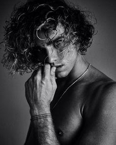 jay alvarez / curly hair inspiration / men curly hair / natural hair / cabelo cacheado masculino / rizos