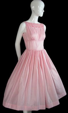 pink Gay Gibson vintage party dress, curse their tiny waists! Vintage Outfits, Vintage Party Dresses, Prom Party Dresses, Evening Dresses, Formal Dresses, Vintage Fashion 1950s, Vintage Mode, Vintage Pink, 1950s Style