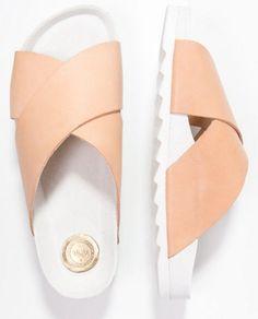Shoeshibar SALINAS Klapki nature
