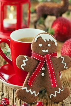 What's your favourite #Christmas treat? www.digiwriting.com Write about it for our Christmas short story contest: http://digiwriting.com/short-story-contests/themed-short-story-contest/ #Gingerbread man