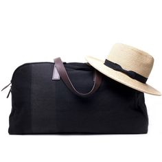 Yet another thing I really want and may end up ordering sooner rather than later... weekender at @Everlane. $95